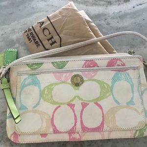 Authentic COACH pastel wristlet EUC
